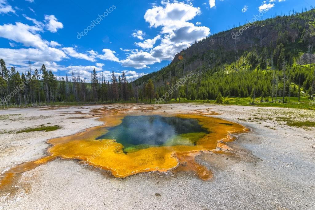 Emerald Pool Yellowstone