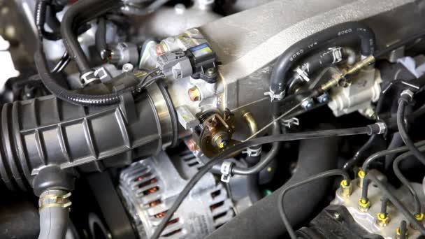Autó motor fordulatszámon pörgő (bezár-megjelöl HD)