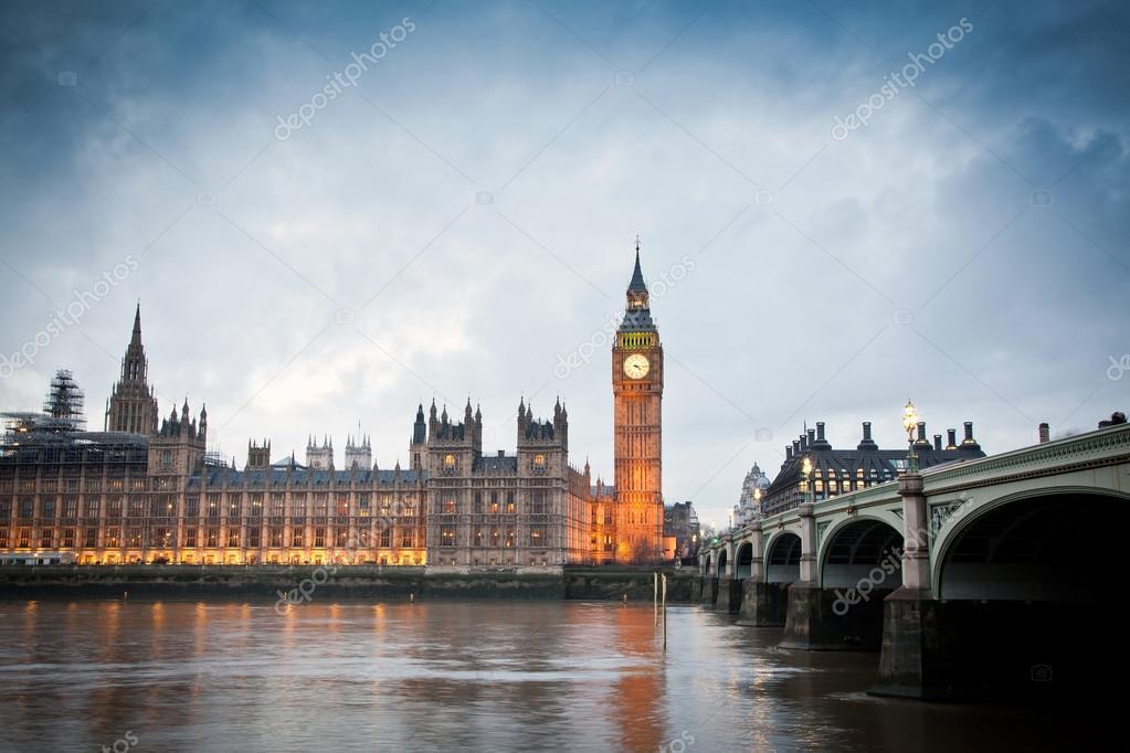 Grosse ben clock tower und das europ ische parlament haus for 2533 raumgestaltung und entwerfen