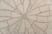 vrchní pohled na světle šedé, kamenné mozaiky na pozadí