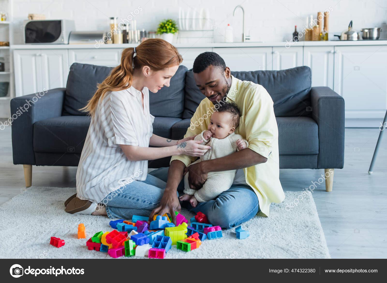Голые мамки с детьми фото