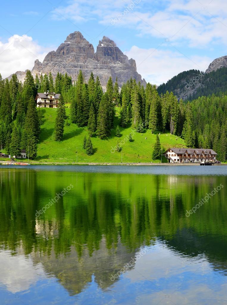 λίμνη misurina και tre cime di lavaredo — Φωτογραφία Αρχείου ...