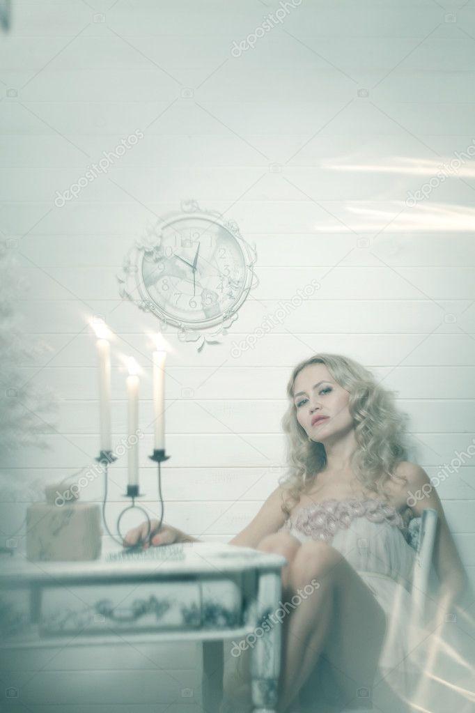 Блондинка в белой сетке вечеринка за городом, интересные жопки фото