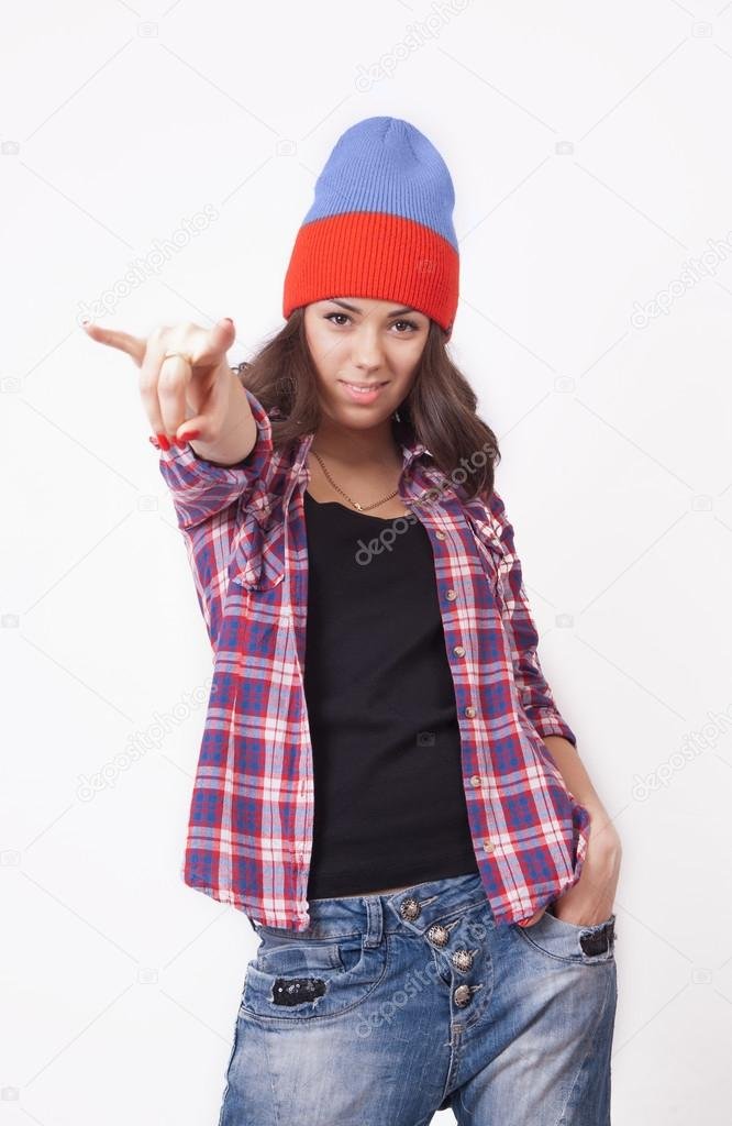 08aa13f8c6e Cute hipster teenage girl with beanie hat posing looking at camera — Photo  by Mirchella