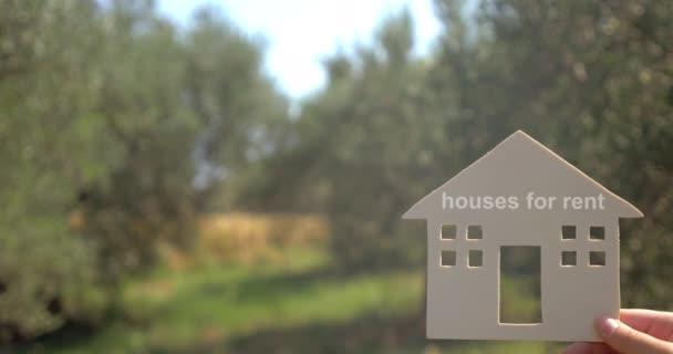 Házak (ingatlanok) kiadó reklám