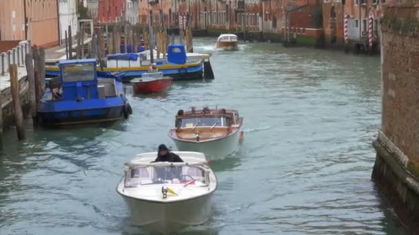 Vodní doprava, Benátky, Itálie