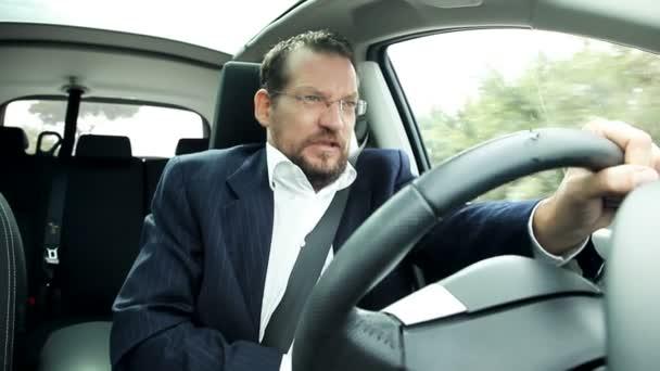 Business-Mann-Steuerwagen