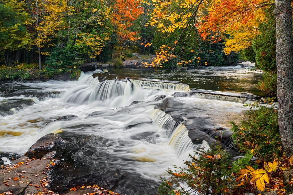 Upper Bond Falls in the Autumn