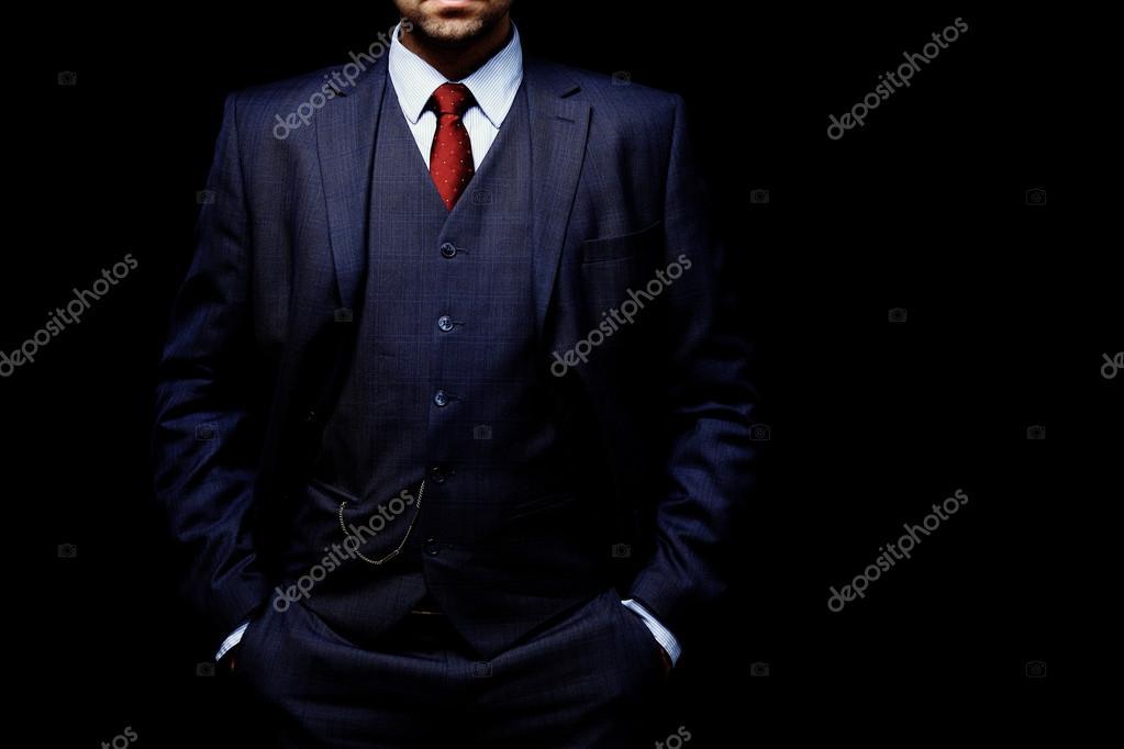 hombre con traje en fondo negro — Fotos de Stock © opolja  92940876 605cf5f743d