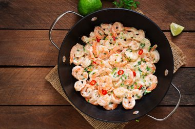 Shrimp in a creamy garlic sauce