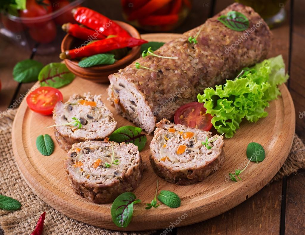 Mince meat roll or meat loaf 4