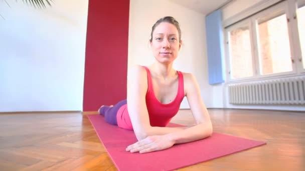 Női jóga oktató terem