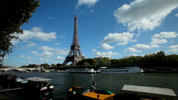 Seine řece a eiffel věž