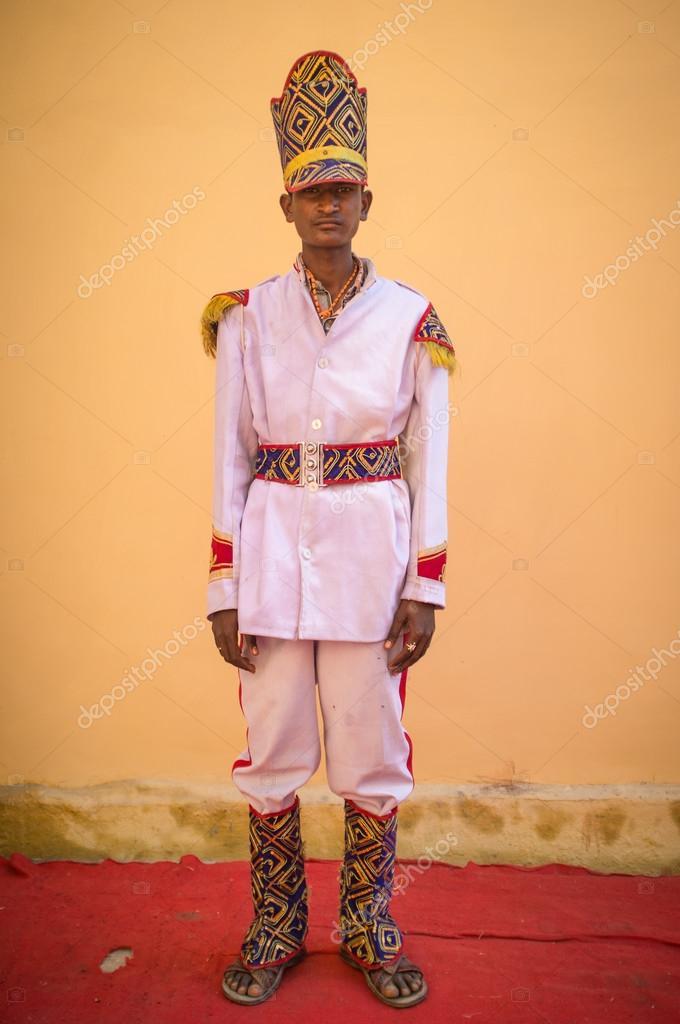 Wedding ceremony musician poses