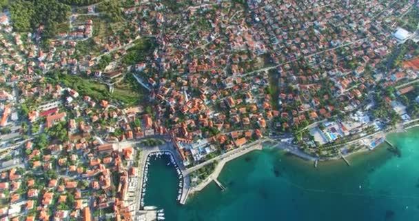 Supetar na ostrově Brač, Chorvatsko
