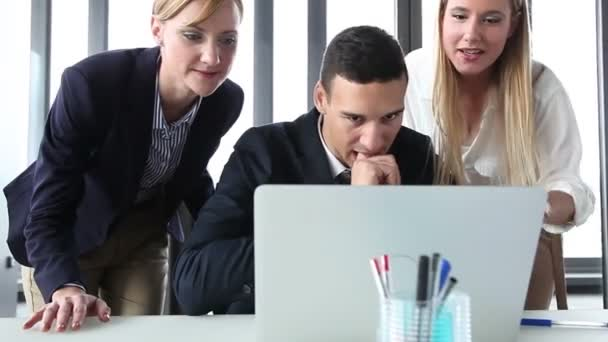 manager and businesswomen with laptop