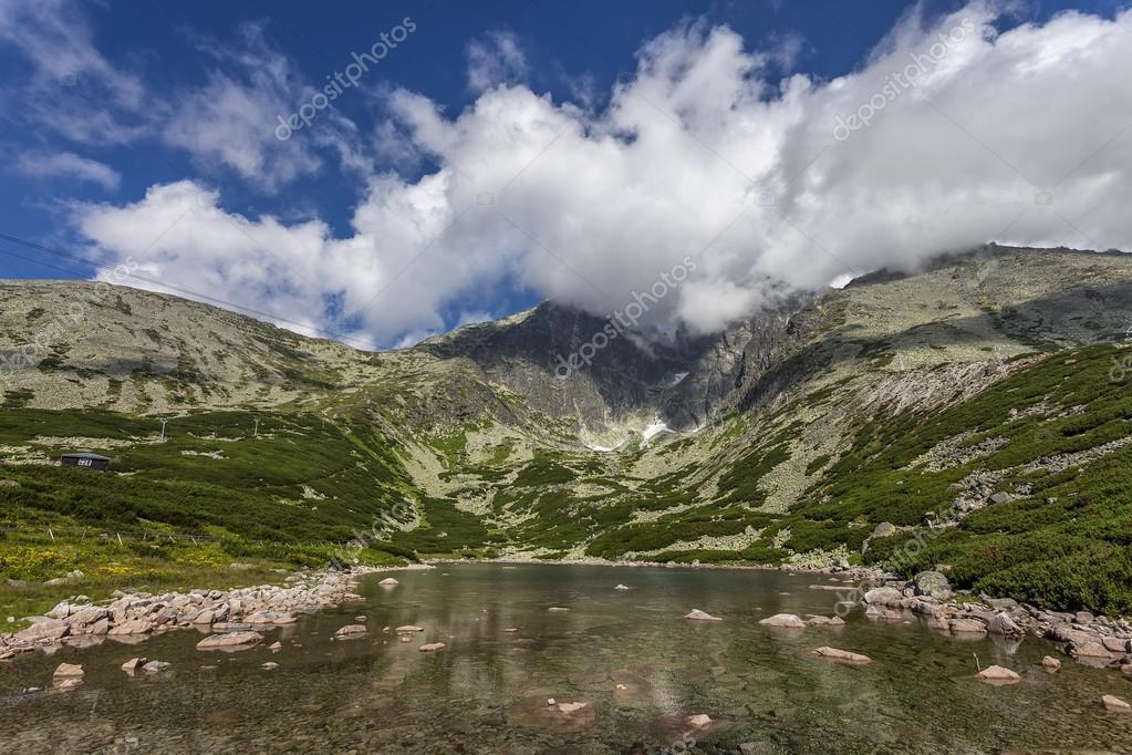 Фотообои Mountain lake of glacial origin