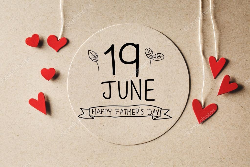 Eu Te Amo Escrito Na Areia Imagens De Stock Royalty Free: Mensagem De Feliz Dia Dos Pais De 19 De Junho Com