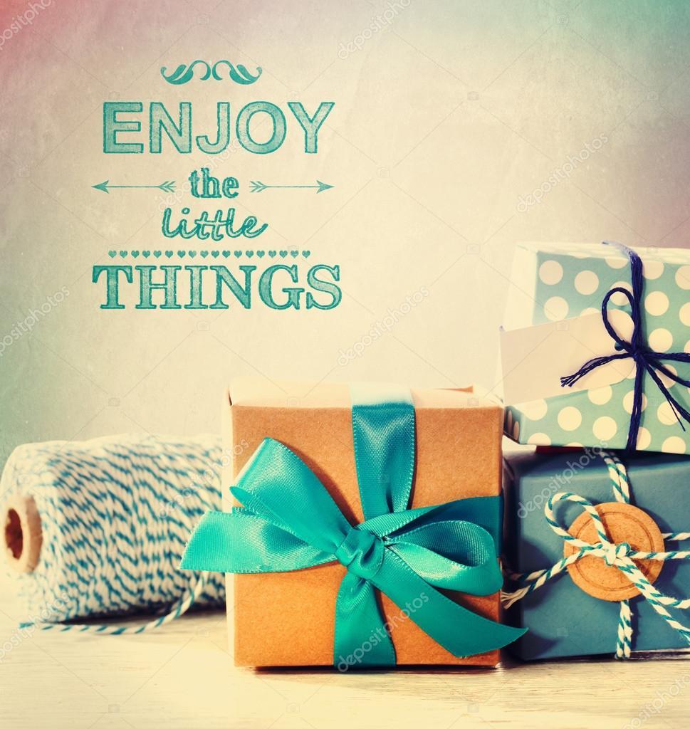 Genießen Sie die kleinen Dinge mit blauen handgemachte Geschenkboxen ...