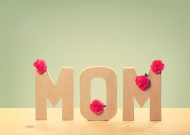 3D MOM Text with Carnation Flowers on the Table