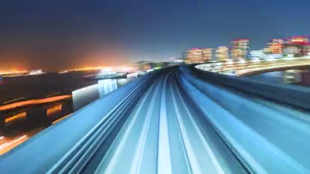 POV timelapse přes Tokio prostřednictvím automatizované guideway transit
