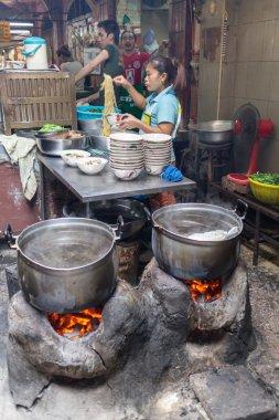 Street kitchen-p