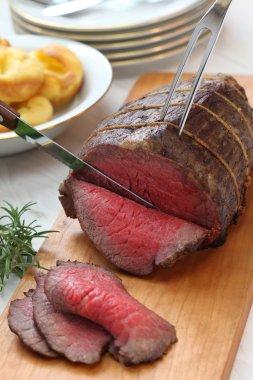 Roast beef carving