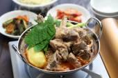Fényképek Gamjatang, sertés csont- és burgonya leves, Koreai konyha