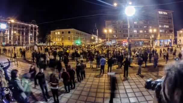Time lapse of 15.000 people protesting against the Romanian Presidential candidate Victor Pont