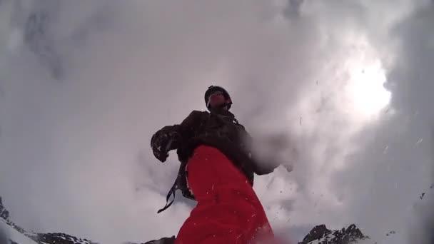 Extrémní snowboardista snowboardové sjezdové Pov