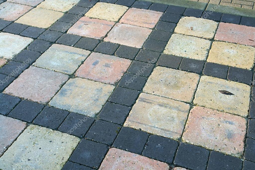 Dettagli di pietra grigia marrone piastrelle per giardino u foto
