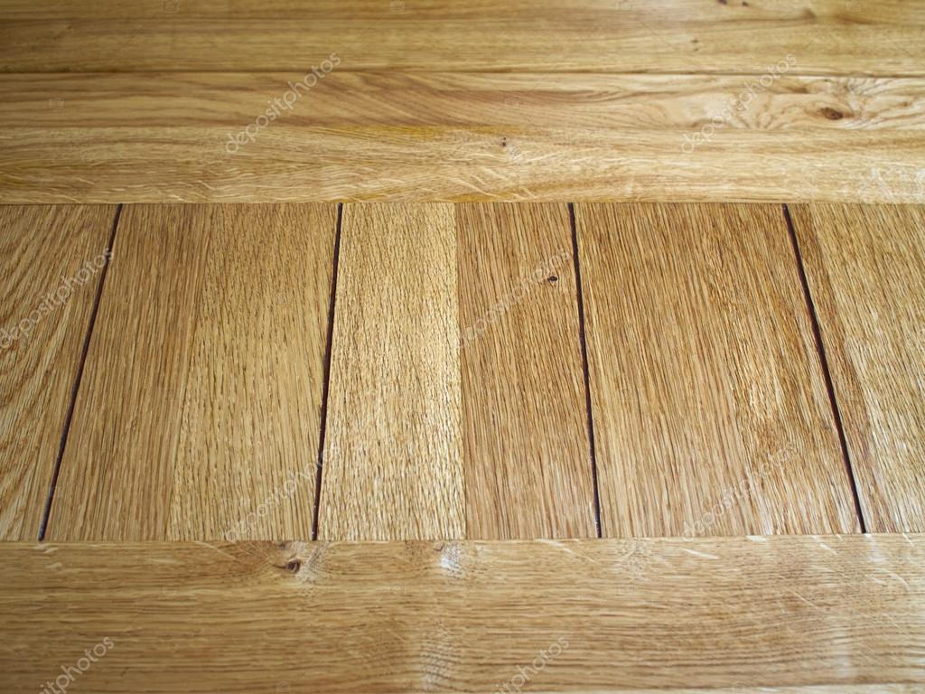 Ruwe houten eiken planken op pallet hnvi veilingen