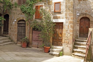Picturesque courtyard  in Pitigliano