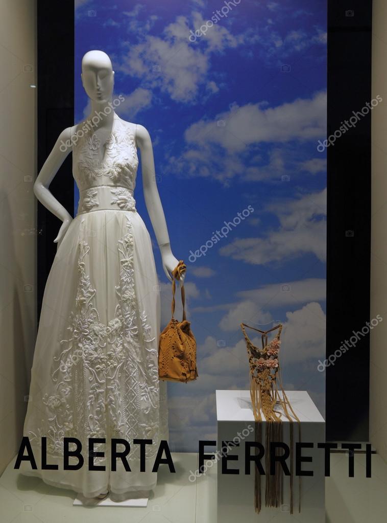 Boutique di Alberta Ferretti a Firenze — Foto Editoriale Stock ... bd87223c077