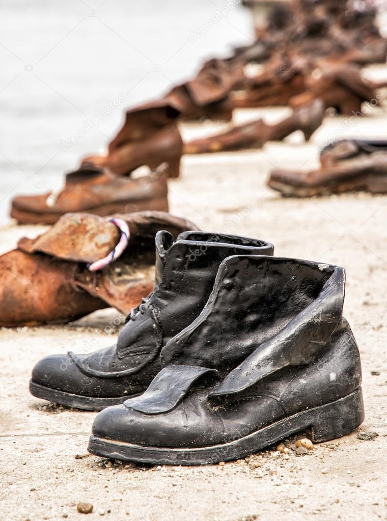 Schuhe Am Donauufer Befindet Sich Ein Denkmal In Budapest Ungarn