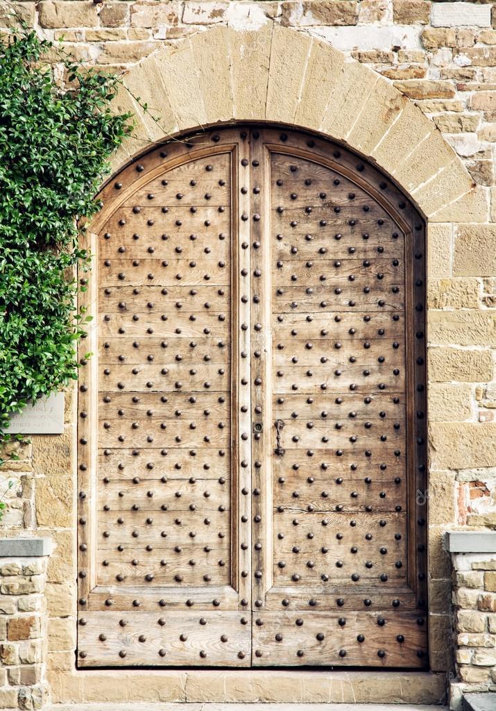 portes en bois à Florence, thème architectural — Photo #92527614