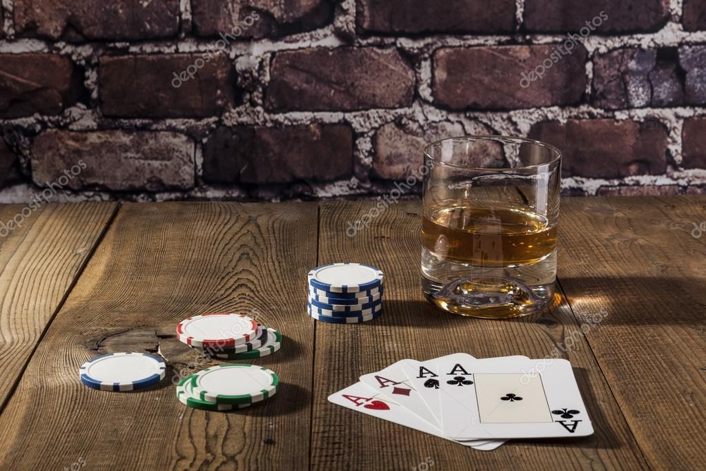 Juego De Alcohol Fotos De Stock C Orcearo 108342248