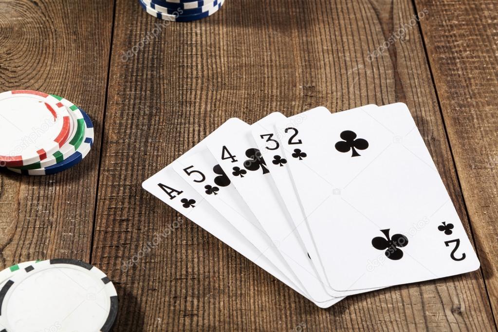 Zwarte kaarten op tafel u stockfoto orcearo