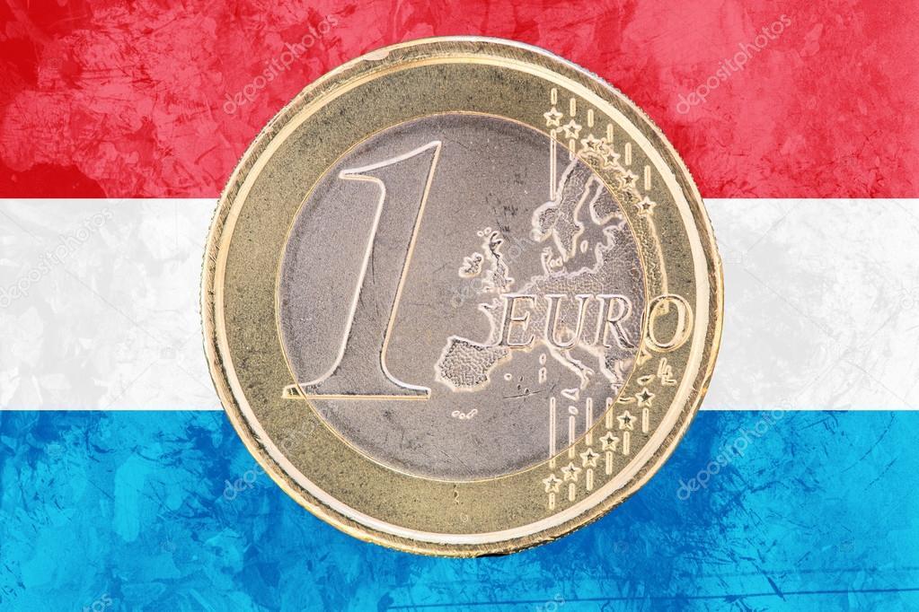 Ein Euro Münze Auf Der Flagge Von Luxemburg Als Hintergrund