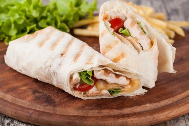 Chicken fajita wrap sandwich stock vector