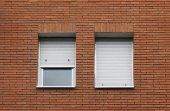 tégla-ablak