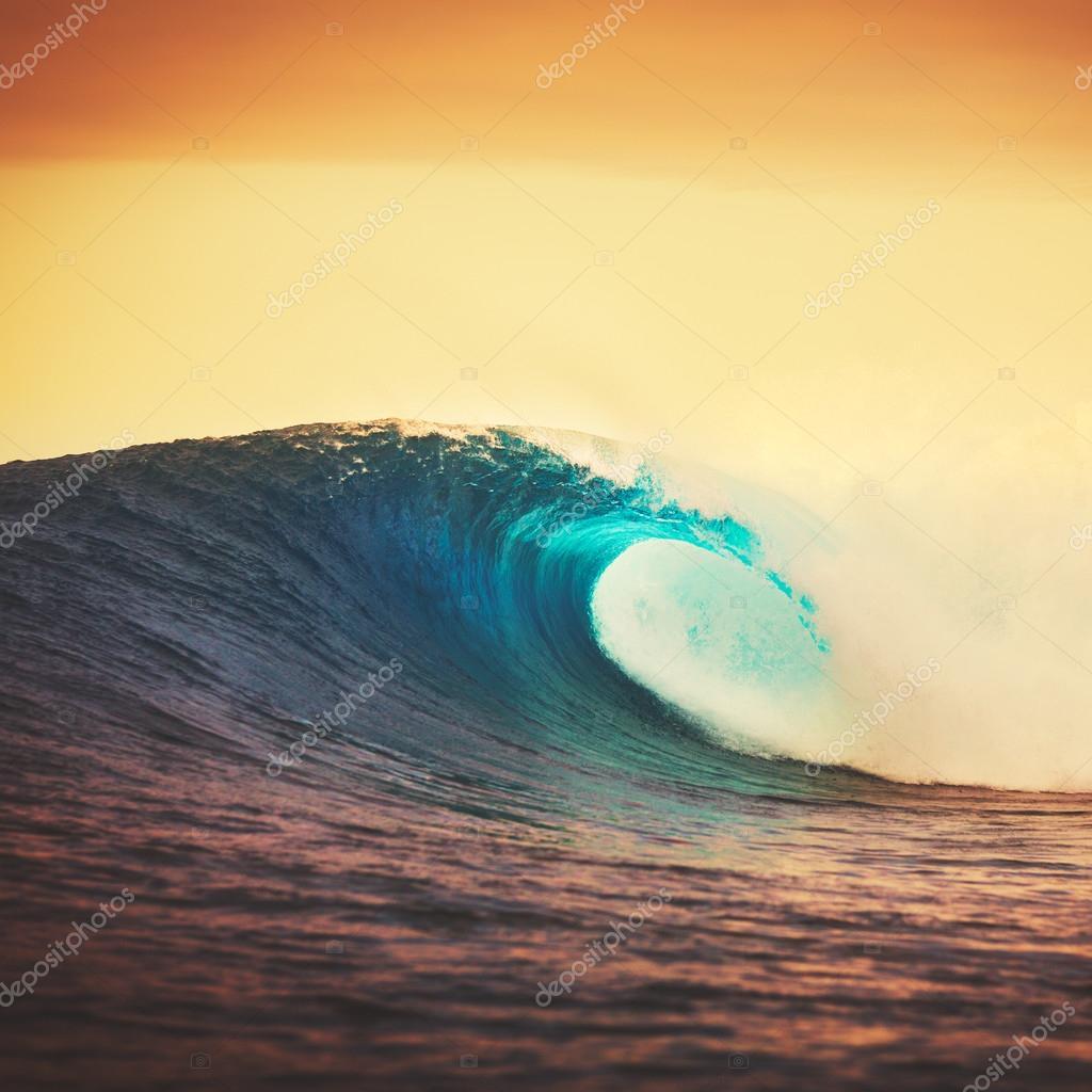 Amazing Ocean Wave