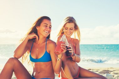 Summer Lifestyle, Friends at the Beach