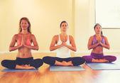 Fotografie Lidé, relaxaci a meditaci v jógy