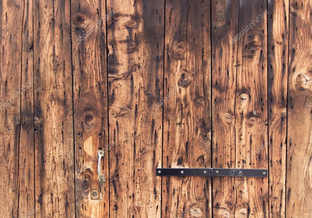 Old wooden door background closeup natural oak tree for Planche bois exterieur
