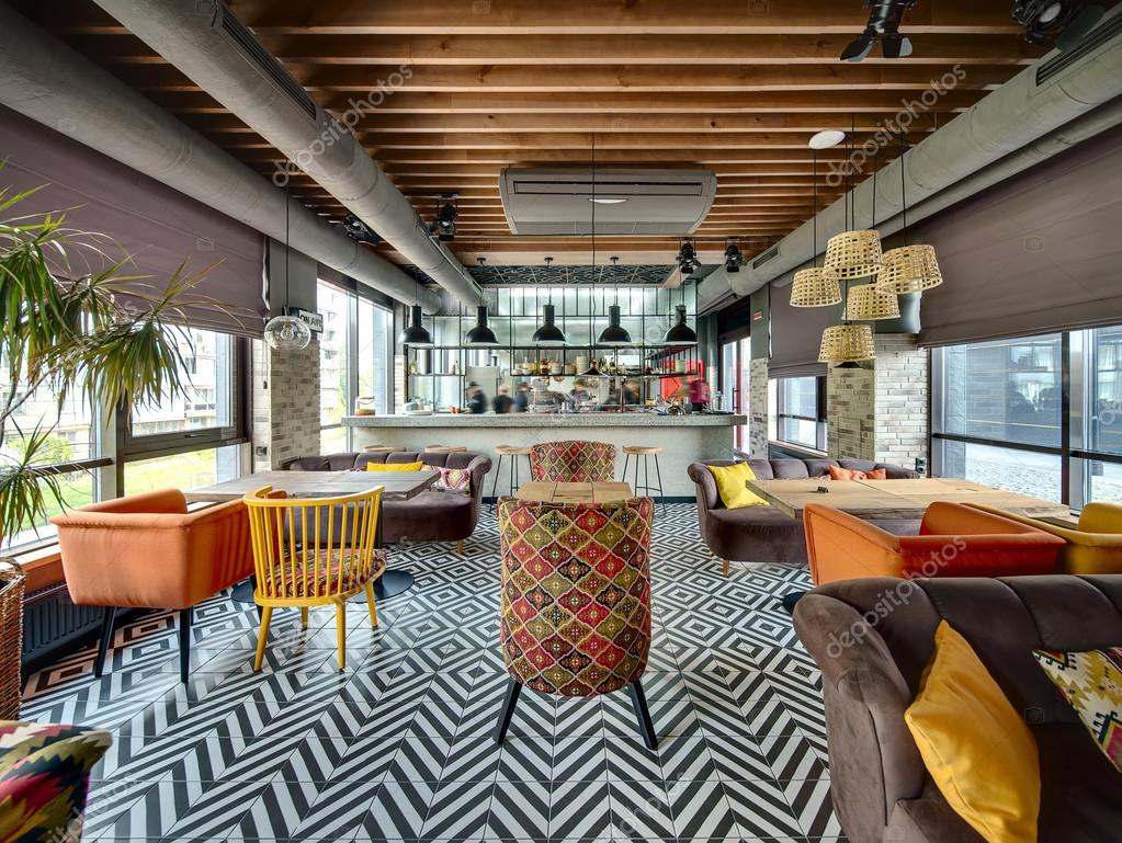 Restaurant mit offener Küche — Stockfoto © bezikus #111743250