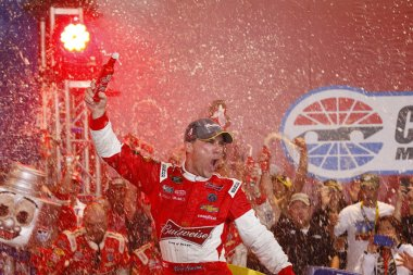 NASCAR:  Oct 11 Bank of America 500