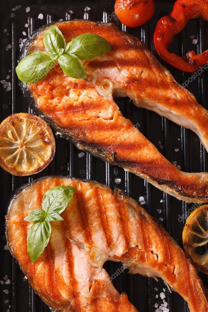 Стейк из рыбы барбекю электрокамин в леруа мерлен