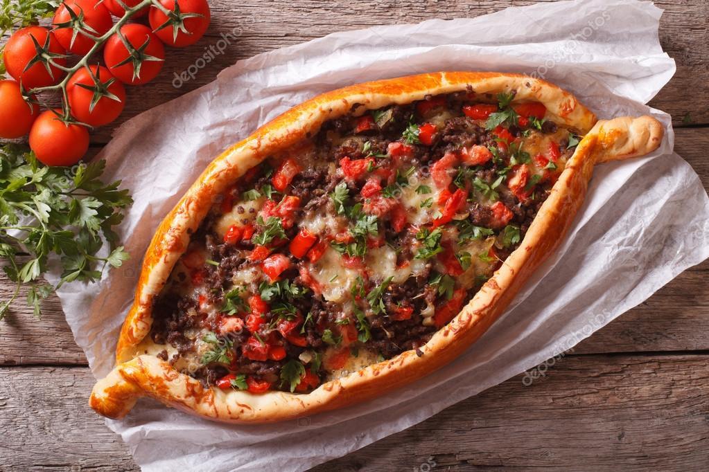 Turkish Pide Pizza Mit Fleisch Nahaufnahme Horizontale Ansicht Von