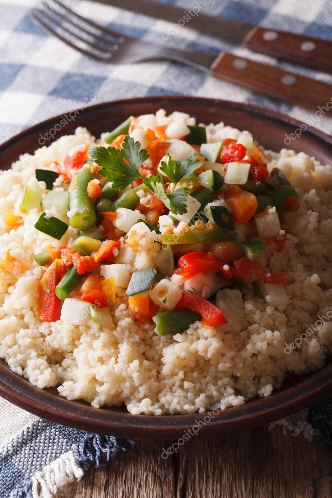 Potrawy Kuchni Arabskiej Kuskus Z Warzywami Z Bliska Pionowe